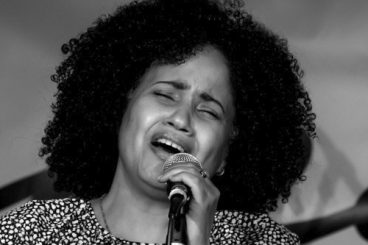 Dayamí Andux (voz)