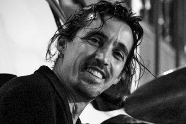 Fernando Couce (batería e percusión latina)