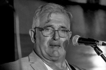 Jose Luis Cuba (baixo)